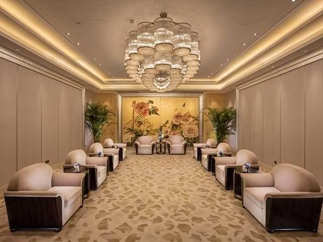 武汉河畔希尔顿酒店
